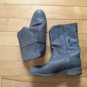Channel short boots